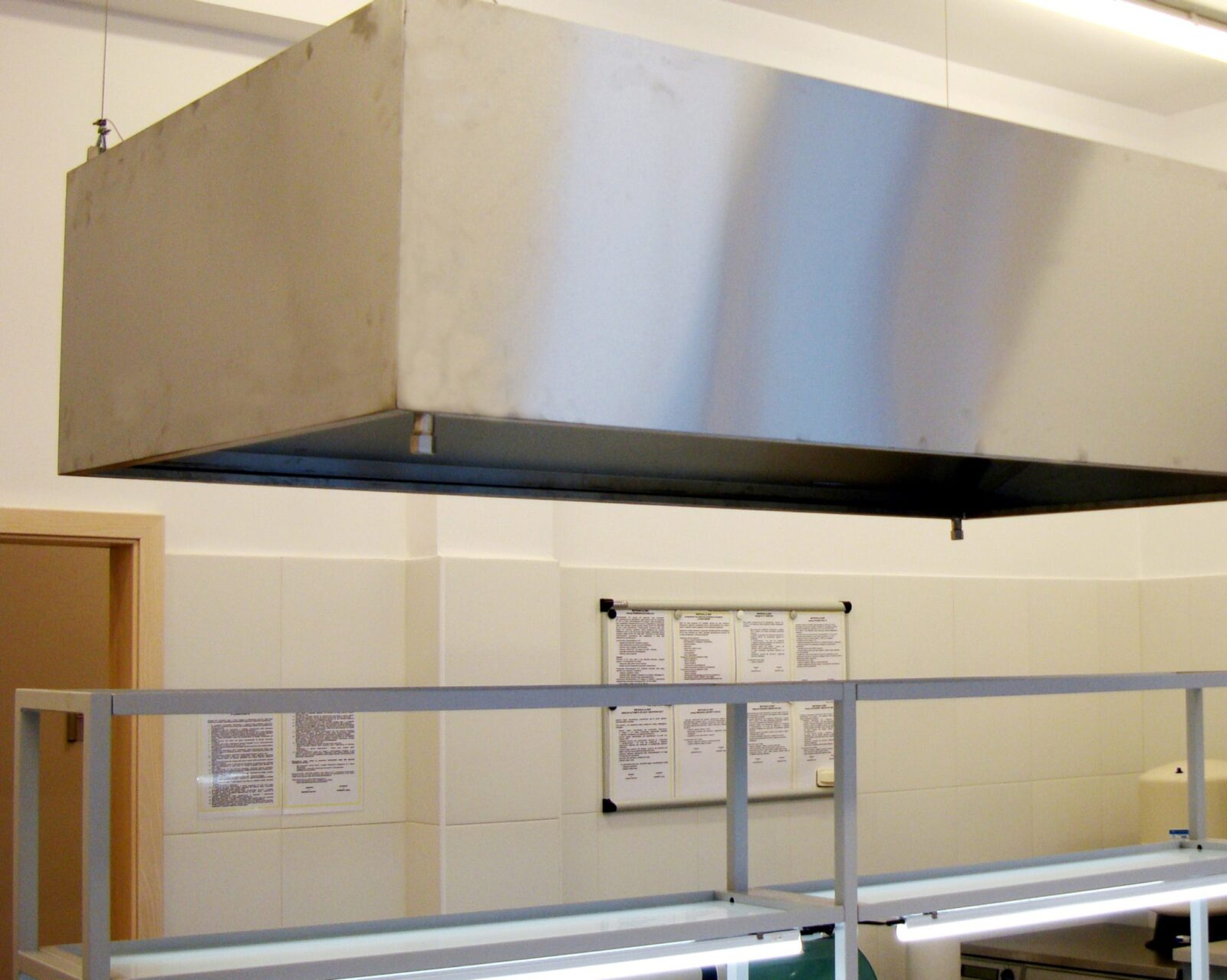 Okap laboratoryjny