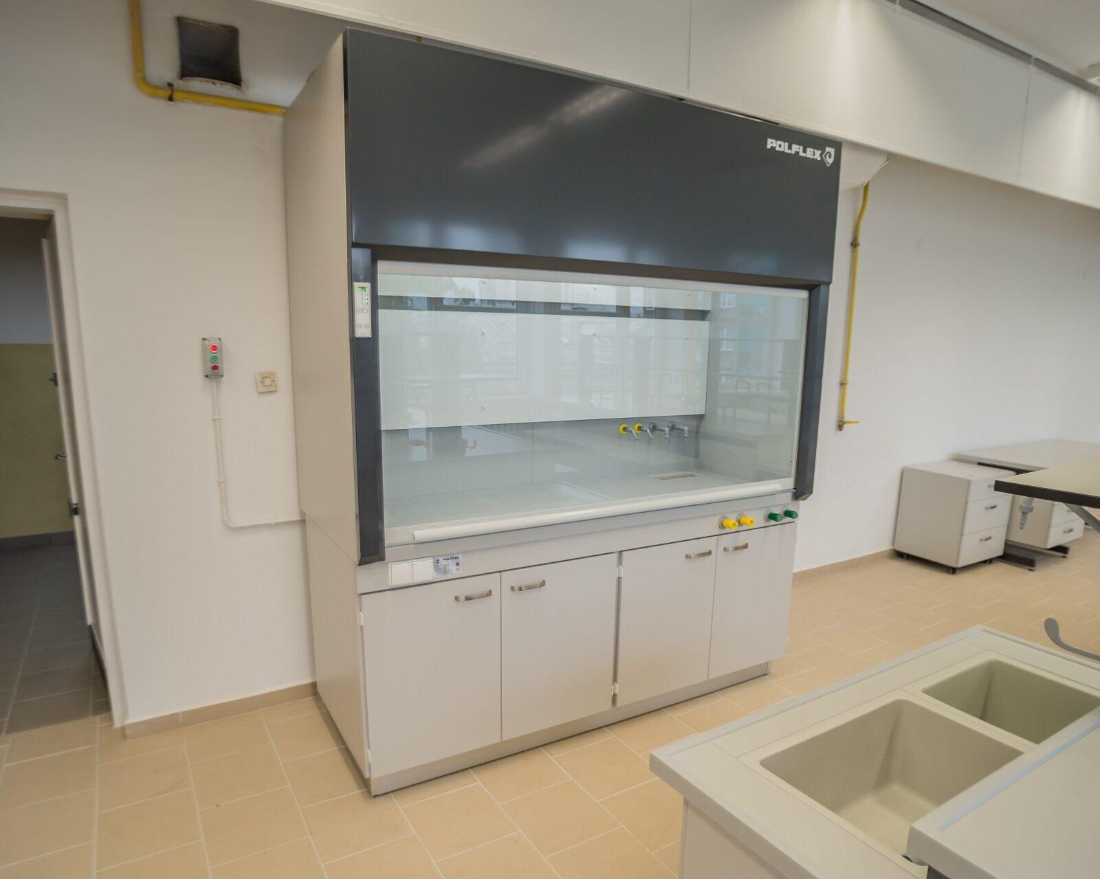 Dygestorium laboratoryjny ceramiczny