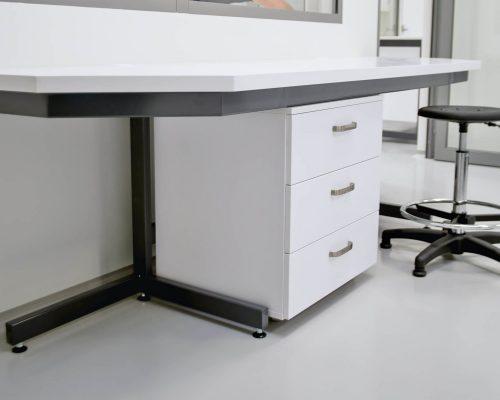 meble laboratoryjne szafka mobilna